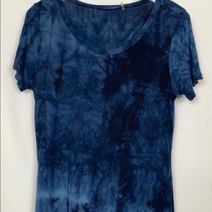 Tahari high/low blue tie-dyed tee shirt size Med.